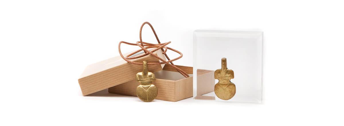 Κυκλαδικό αγαλματίδιο σε συσκευασία επαγγελματικού δώρου