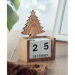 christmas-wooden-desk-calendar-tree-1467