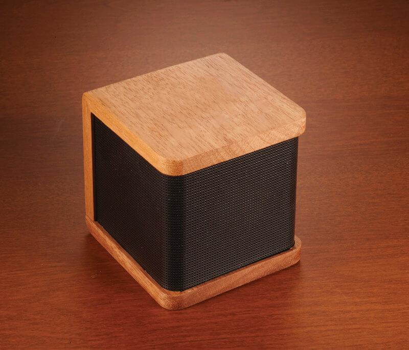 bluetooth-speaker-mahogany-wood-10830-1